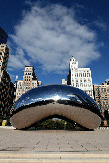 Installation view of Anish Kapoor's Cloud Gate in Chicago's Millenium Park. Image: Getty Images.