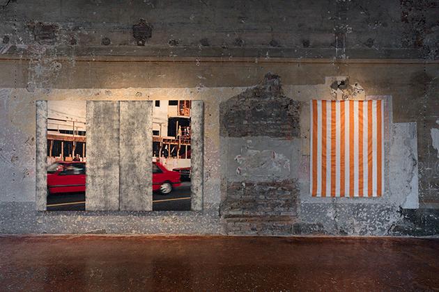 Installation shot: Venice, Palazzo Fortuni, Quand fondra la neige où ira le blanc, 4 June - 10 October 2016. Left: Ian Wallace, Construction Site I (Veronique) Right: Daniel Buren, Peinture acrylique blanche sur tissu rayé blanc et orange. Image: © Antonio Maniscalco
