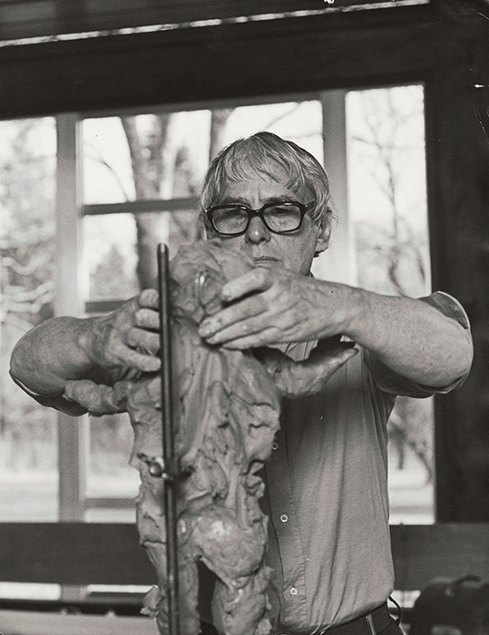 Willem de Kooning in his studio, Springs, 1972 ©1991 Hans Namuth Estate, Courtesy Center for Creative Photography