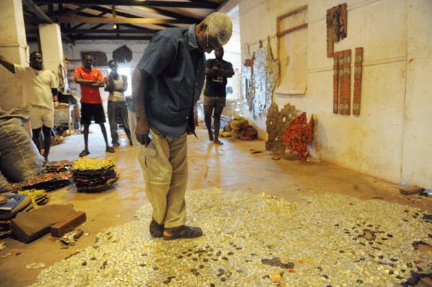 El Anatsui at his Nsukka studio on August 8, 2013. Images: PIUS UTOMI EKPEI/AFP via Getty Images.