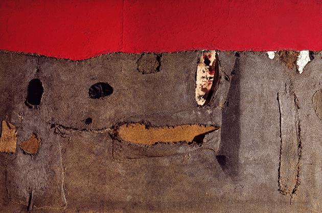 Alberto Burri, Umbria vera, 1952, sack and oil on canvas, Private Collection. Image: © 2021. White Images/Scala, Florence. © Fondazione Palazzo Albizzini Collezione Burri, Città di Castello – DACS 2021