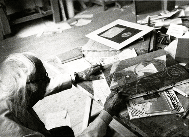 Max Ernst withEuklid, Seillans, July 1973. Courtesy of the estate of Peter Schamoni