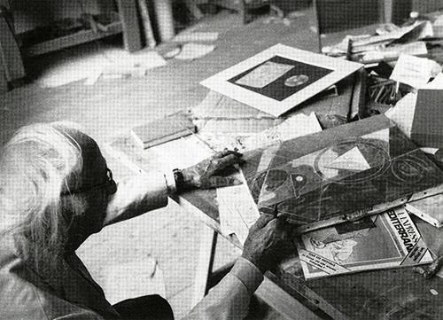Max Ernst with Euklid (1950), photograph by Viktor Schamoni. Courtesy of the estate of Peter Schamoni.